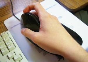 Quill mouse (AirObic mouse, Aerobic mouse) in use by reviewer