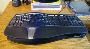 Microsoft 4000 Natural keyboard with negative tilt accessory